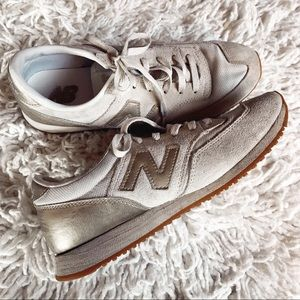 NEW BALANCE GOLD SUEDE SNEAKERS 8.5